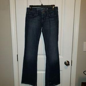 Guess Blue Jeans Sz 26 waist. Like New!!